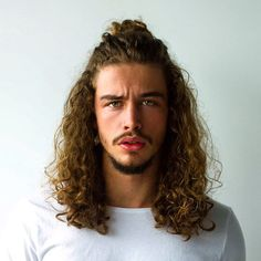 23 Short Hairstyles for Young Adults Short Hairstyles for Kids Lovely Popular Mens Haircuts 2018 Mens Medium Length Hairstyles, Cool Hairstyles For Men, Popular Mens Haircuts, Haircuts For Men, Long Curly Hair, Curly Hair Styles, Sport Hair, Moustaches, Hair Cuts