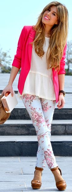 Love the blazer with jeans...