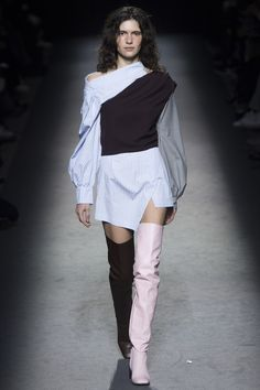 Jacquemus Fall 2016 Ready-to-Wear Fashion Show - Iana Godnia / Wow how wild beauty! There is so power and passion in her! Sensual face and shaggy, dark, wild hair... I worship dark, bushy and low eyebrows and these dark, deep eyes... I love her skinny cheeks and her cheekbones... And her lips and freckles... Adorable!