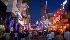 universal studios hollywood citywalk - shopping......