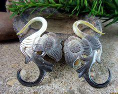 Real Gauge Earrings 8G  black  Mother of Pearl Hand by PASIRPUTIH