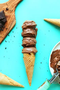 Creamy, 6-ingredient vegan chocolate ice cream with cocoa powder, vegan dark chocolate, and coconut cream. Simple, extremely rich, and satisfying.
