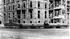 Foto storiche di Roma - Via Volsinio - Quartiere Salario, 1926 circa Treno merci proveniente da un binario in Via Volsinio durante la costruzione delle case INCIS