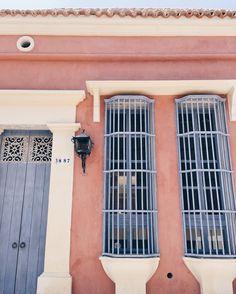 """1,777 Me gusta, 9 comentarios - S I S T E R L Y   S T Y L E (@sisterlystyle) en Instagram: """"We wonder how it would be to live here... 💘 // De esas casas soñadas por Cartagena…"""""""