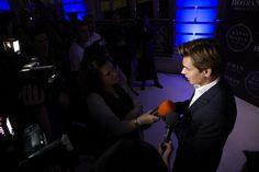 Carlos Baute atendiendo a la prensa. Foto: José Morraja.