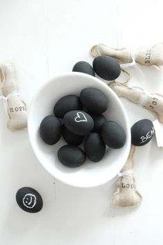chalk paint eggs