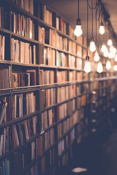 Free stock photo of lights, books, blur, bulb - Bücher Book Wallpaper, Screen Wallpaper, Wallpaper Backgrounds, Book Aesthetic, Aesthetic Pictures, Book Photography, Creative Photography, Light Photography, Uplifting Books