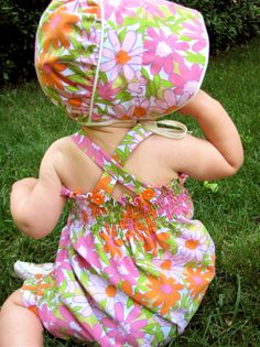 Daisy Romper and Bonnet from Thrifted Sheet free baby bonnet patterns to sew Baby Sewing Projects, Sewing For Kids, Sewing Ideas, Sewing Patterns Free, Baby Patterns, Pattern Sewing, Free Sewing, Baby Bonnets, Kids Fashion