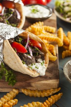 This Quiz Will Reveal Which Mythical Creature Lives Inside Of You Shawarma, Best Breakfast Sandwich, Vegetarian Recipes, Healthy Recipes, Healthy Slow Cooker, Tzatziki, Eating Habits, Street Food, Food Inspiration