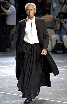 Yohji Yamamoto Spring/Summer 2004 how cool does this manly man look? LOVE yohji