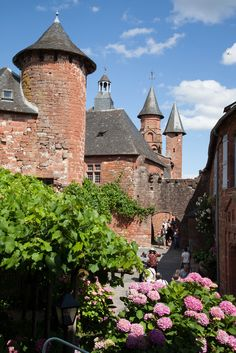 Places Around The World, Travel Around The World, Around The Worlds, Limousin, Francia Paris, Ville France, Beaux Villages, House Landscape, French Countryside