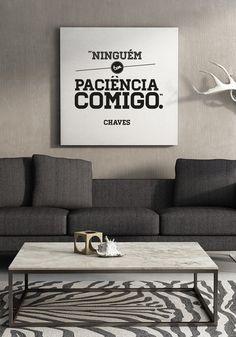 """O designer brasileiro Giba Mendes decidiu dar vida às frases e criou uma série de cartazes que as retratam. Frases como """"Ninguém tem paciência comigo"""", """"Já chegou o disco voador"""" fazem parte dos desenhos"""