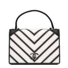 Pre-Owned Chanel Small Black White Chevron Couture Flap Bag (210,940 DOP) ❤ liked on Polyvore featuring bags, handbags, chevron purse, leather flap bag, pre owned handbags, genuine leather purse and leather handbags