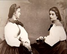 Matilde and Marie Sofie Amelie, sisters of Sissi Naples, Empress Sissi, Two Sicilies, Old Portraits, Royal Blood, Vogue, Romantic Pictures, Vintage Romance, Edwardian Fashion