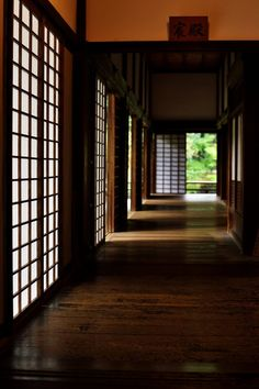 Corridor of Shorenin temple, Kyoto, Japan