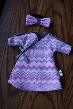 Micro Preemie NICU Gown // Fits 1.5 - 2.5lbs // Free Shipping North America. $11.00, via Etsy.