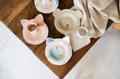 LuciaMPhoto16_Bonjour_099 Painted Ceramic Plates, Ceramic Painting, Kitchen Tools, Interior Inspiration, Interior Decorating, Pottery, Simple, Tableware, Kids