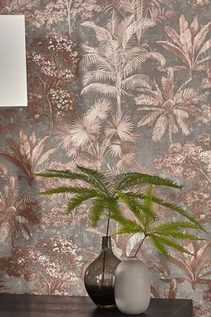 A soupçon of charming Art Deco, a dose of exotic luxury - this gorgeous wallpaper reflects the glamour of the But it's not just private styl. Hallway Wallpaper, Brown Wallpaper, I Wallpaper, Flower Wallpaper, Designer Wallpaper, Pattern Wallpaper, Design Floral, Art Deco, Shabby Chic Tapete
