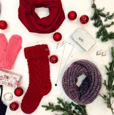 We're prepping for the #holidays with #cozy infinity scarves, cute #mittens and gorgeous accessories. ❄️ #aotd #flatlay #eclipsestyle