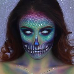 **Follow @giuliannaa on instagram for more incredible makeup looks ** How much do you love dressing up for Halloween?!?! Here we've made a list of some of the top Halloween makeup inspirations this year <3 Checkout over 40 incredibly creative makeup looks and watch a video detailing of to recreate some epic costume makeup ;) #halloween #halloweenmakeup #makeup #makeupinspo #beautyblog #styleblog #halloweeninspiration #littlemermaid