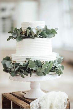Timeless, Urban, Modern - Wedding Inspirations by die Hochzeitsplanerei und die Ciucus, cake: Ute Dittrich