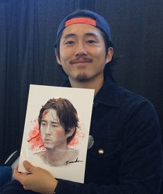 """""""So I was at WalkerStalker Con today and got Steven Yeun to sign my artwork. He was so impressed with it, he asked ME to sign the copy I brought for him to keep. Glenn Y Maggie, Rip Glenn, Steven Yeun, The Walking Dead, Rick Grimes, Glenn Rhee, Drama, Daryl Dixon, Best Tv Shows"""