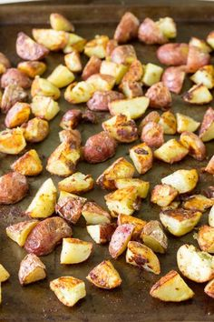 Salt and Vinegar Roasted Potatoes - the salty, tart flavors of salt and vinegar potato chips in a healthier version