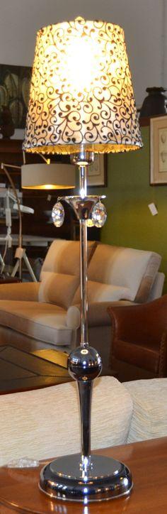 Lámpara sobremesa  md. 372-2 Medidas:  0,80 alto. Consultar precio con descuento especial. Unidades disponibles 2
