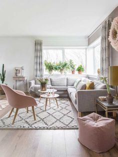 Living room with pink touches