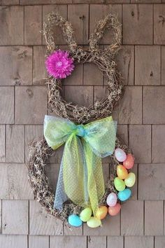 DIY decoration for Easter - rabbit wreath from pussy willow instructions - Hair Beauty - Food and Drink - Christmas - DIY and Crafts - Home Decor Spring Crafts, Holiday Crafts, Holiday Decor, Diy Easter Decorations, Diy Decoration, Easter Wreaths Diy, Diy Wreath, Door Wreaths, Crafts To Do