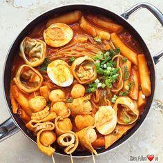 Food Hub, A Food, Good Food, Food And Drink, Yummy Food, Japan Street Food, Chafing Dishes, Korean Food, Chinese Food