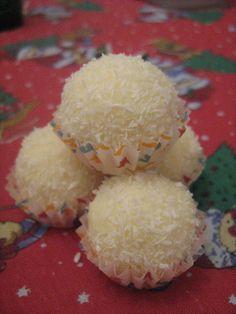 Easy Homemade Rafaelo coconut truffles