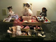 1957 Ginny Trousseau with three beautiful Ginny dolls and 12 complete outfits