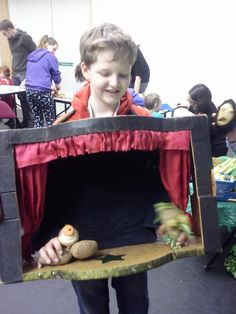 Oh I love this boy's idea of a traveling show. Charming, and pretty dang practical!!  http://puppet-master.com - THE VENTRILOQUIST ASSISTANT