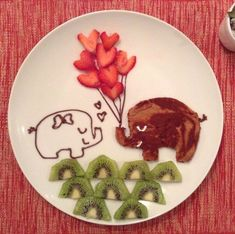 How to decorate vegetables so that children eat everything Kiwi, Small Cabbage, Kids Plates, Balanced Meals, Bowl Of Soup, Food Words, Delicious Fruit, Food Humor, Funny Food
