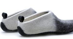 Design by Aki Choklat for Lahtiset Leather Work Bag, Felt Boots, Wool Shoes, Clog Boots, Felted Slippers, Nuno Felting, Knit Fashion, Felt Art, Ciabatta
