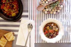 Ratatouille, una estupenda receta de verduras hecha en Crock Pot. ¿Quién dijo que las verduras no son para los slow cookers?
