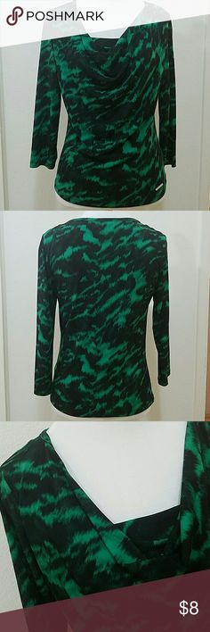 MICHAEL Green and black animal print cowl neck top MICHAEL Michael Kors cowl neck top Green and black animal print Wrinkle resistant Polyester Spandex blend is great for travel 3/4 sleeve Size Petite EUC no stains, holes, pilling or other damage MICHAEL Michael Kors Tops Blouses
