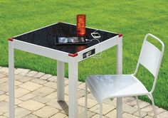 Napelemes kerti asztal USB- és DC-porttal | Radarplayer.hu