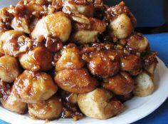 Slow Cooker Monkey Bread is great for breakfast, brunch, after school snack, or even a dessert for some meals. Crock Pot Slow Cooker, Crock Pot Cooking, Slow Cooker Recipes, Crockpot Recipes, Cooking Recipes, Crockpot Liners, Easy Recipes, What's Cooking, Cookbook Recipes