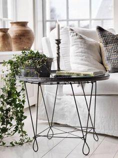 Fantastisch Easy Beistelltisch Aus Metall, Beistelltische, Häuser Am See, Gartenstühle,  Efeu, Haus