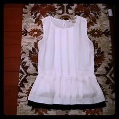 White Sleeveless Pleated Blouse White Blouse with Pleated Bottom, Black Trim, Hook Neck in Back, Side Zipper Under Arm, Great for Work Attire or a Dressy Occasion, No Trades and No Holdings Forever 21 Tops Blouses