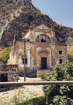Palermo,chiesa abbandonata a Maredolce, Italy