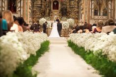 Like the higher white layer with greenery as aisle Chapel Wedding, Church Wedding, Wedding Ceremony, Centerpiece Decorations, Flower Decorations, Wedding Decorations, Wedding 2015, Dream Wedding, Wedding Day