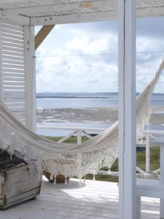 Love this shabby chic porch and it's view....perfect! #hammock #porches #oceanviews