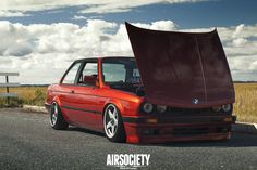 Luca-bmw-E30-325-air-lift-bagged-air-suspension-ride-airsociety-006