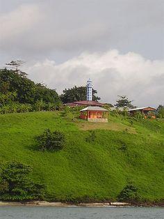 Le phare entre LBV et La pointe Denis-Gabon