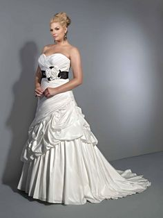Elegant V-neck sweetheart taffeta bridal gown