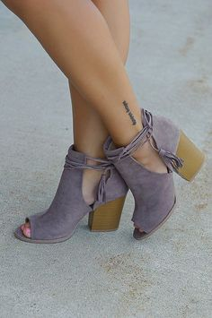 women shoes clearance heels pumps lace up high heels Crazy Shoes, Me Too Shoes, Boys With Tattoos, Mode Shoes, Trendy Clothes For Women, Looks Style, Look Cool, Fashion Shoes, Fashion Dresses
