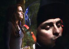 7 mei 2013:  Vergeten. Foto: screenshot uit de music video The Forgotten van Green Day, gebruikt in de aftiteling van  The Twilight Saga: Breaking Dawn - Part 2 (2012) maar ook in CSI: NY: S9E4 Unspoken (19 Oct. 2012) tijdens de autopsie op een per ongeluk doodgeschoten kind.